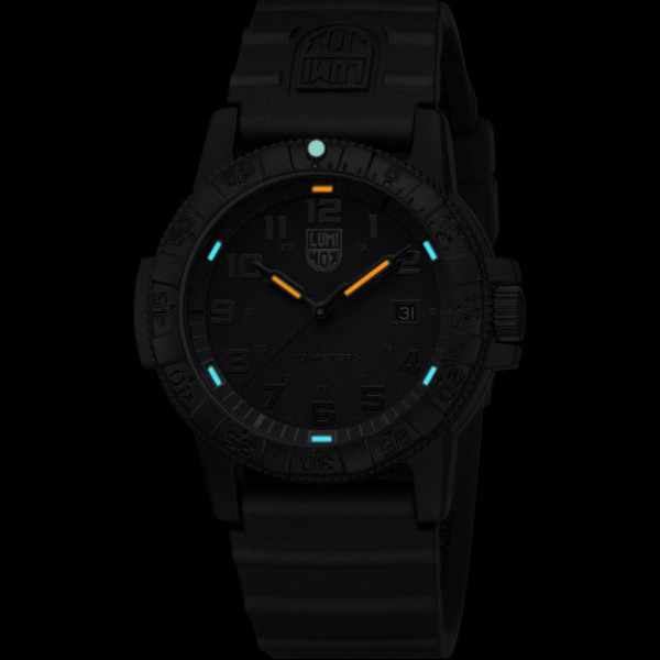 LUMINOX, Sea, Leatherback Turtle Giant_8419